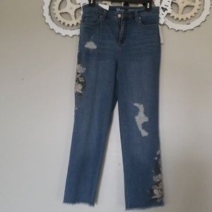 Style & co embroderied straight crop jeans